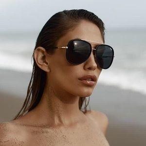 "🍓 Quay ""Needing Fame"" Sunglasses 🍓"